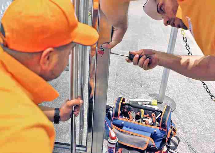 fabbro per urgenza apertura porta bloccata segrate