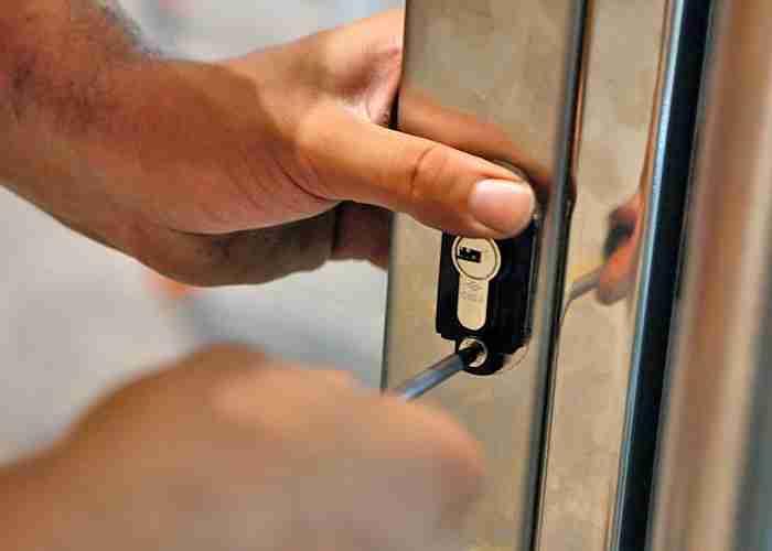 montaggio serratura a cologno monzese