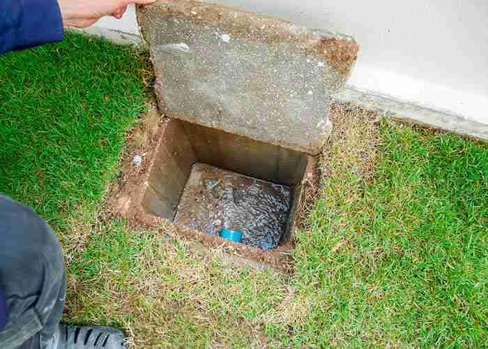 supermario24 pulizia pozzetto nel giardino di casa