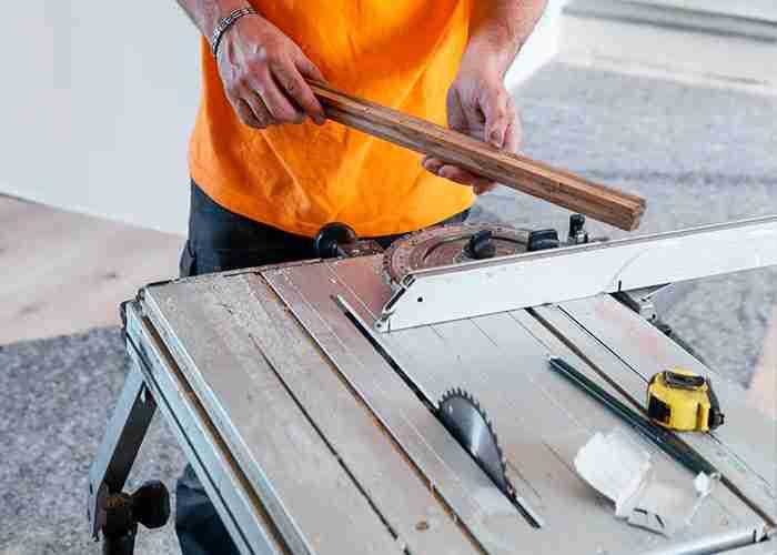 Professionisti nelle riparazione di serrande e serramenti
